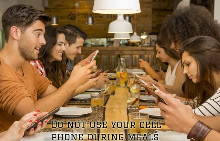 Phones at meals